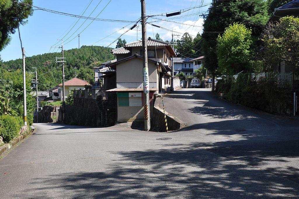 栗栖交差点からの道案内の写真